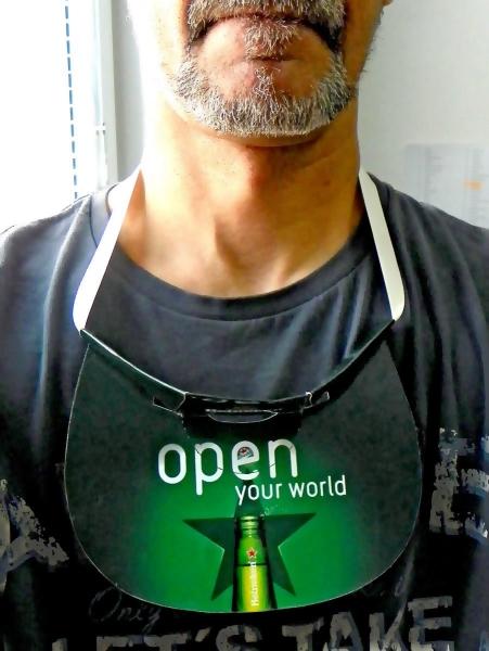 Promo visor - i (širiti) - kad se ne koristi samo se okači oko vrata...