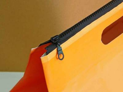 zipper paper bag (papirna kesa sa rajferšlusom, tj. patent zatvaračem)