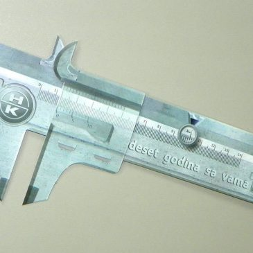 Magnetni kartonski šubler