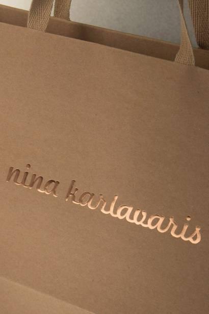 Eko kesa od recikliranog papira sa ručkama od kepera i zlatotiskom / Nina Kalvaris -3