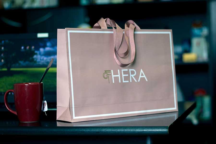 """Specijalna papirna kesa """"Hera"""" (sa zlatotiskom i ručkama od ripsa """"iz poruba"""")"""